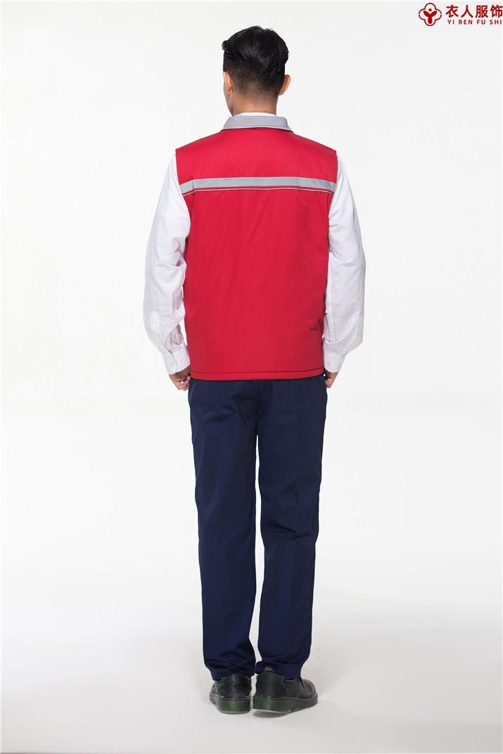 红色冬季棉马甲背面